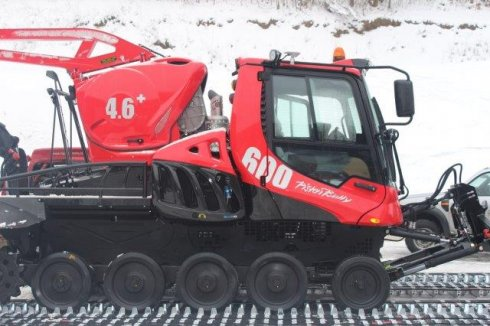 Usazení do pásů - PistenBully 600 W EU5